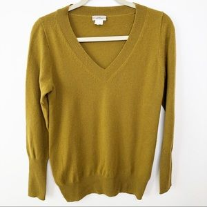 J Crew | Green V-Neck 100 percent Cashmere sweater